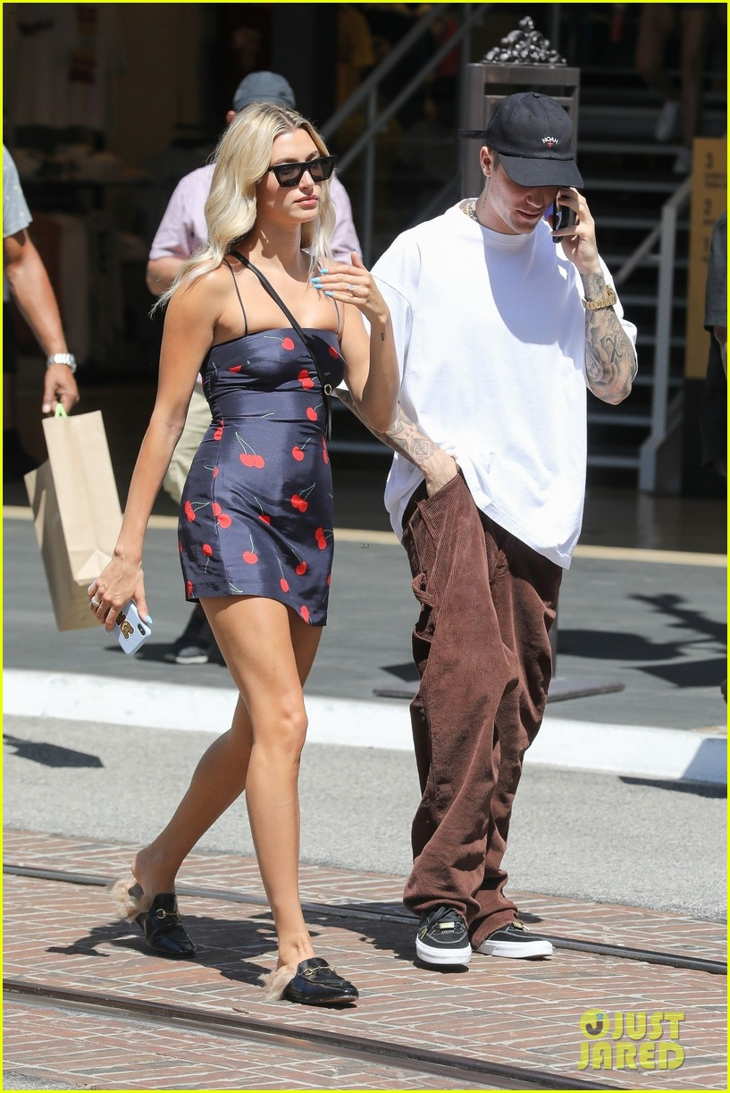 hailey justin bieber spend the afternoon at the grove 04