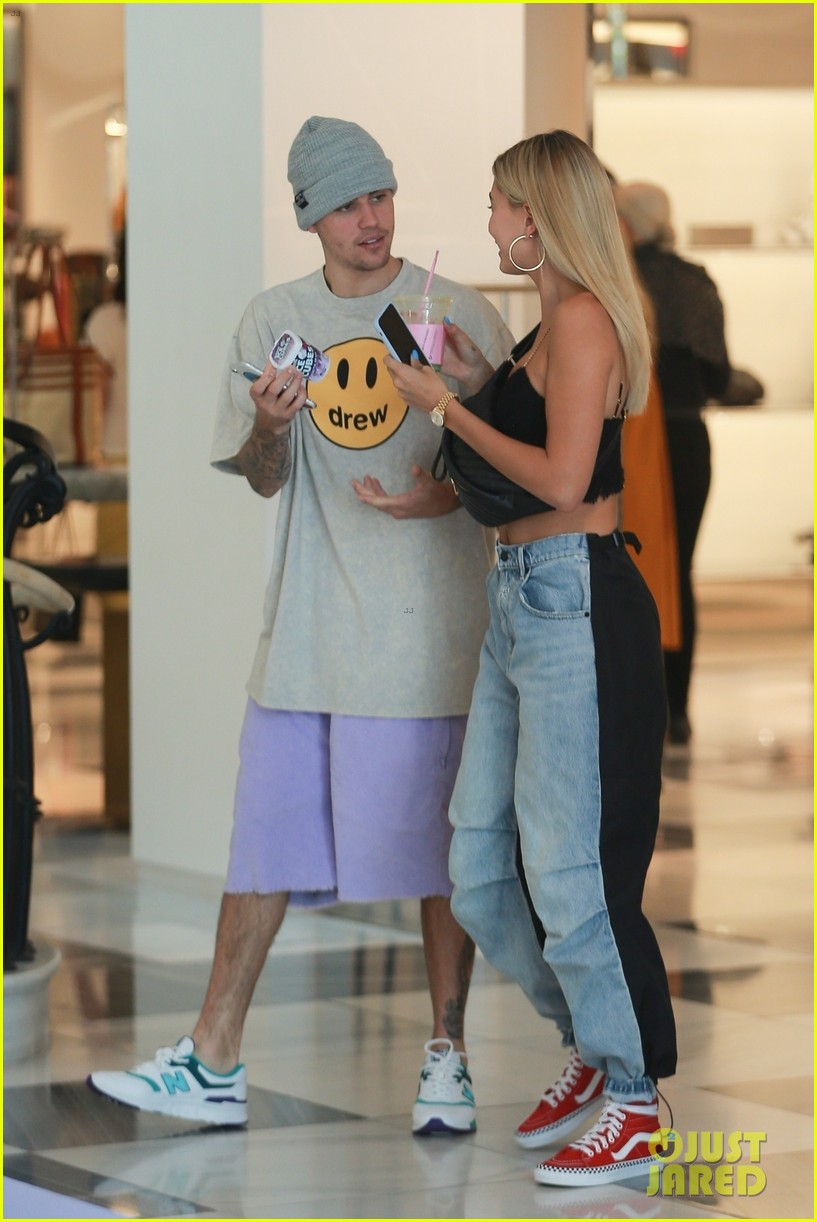 hailey justin bieber barneys stop yoga class 04