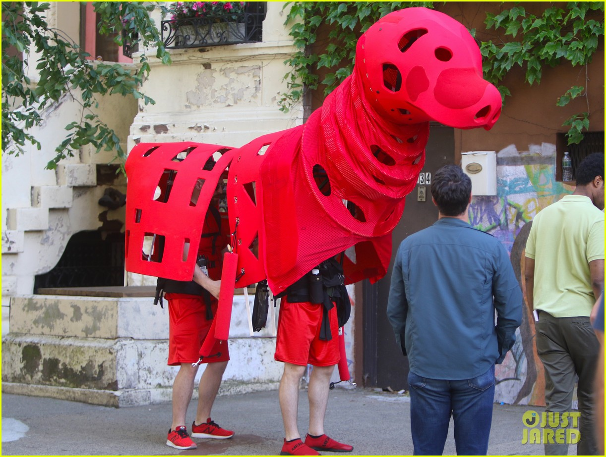 clifford the big red dog movie set photos 01