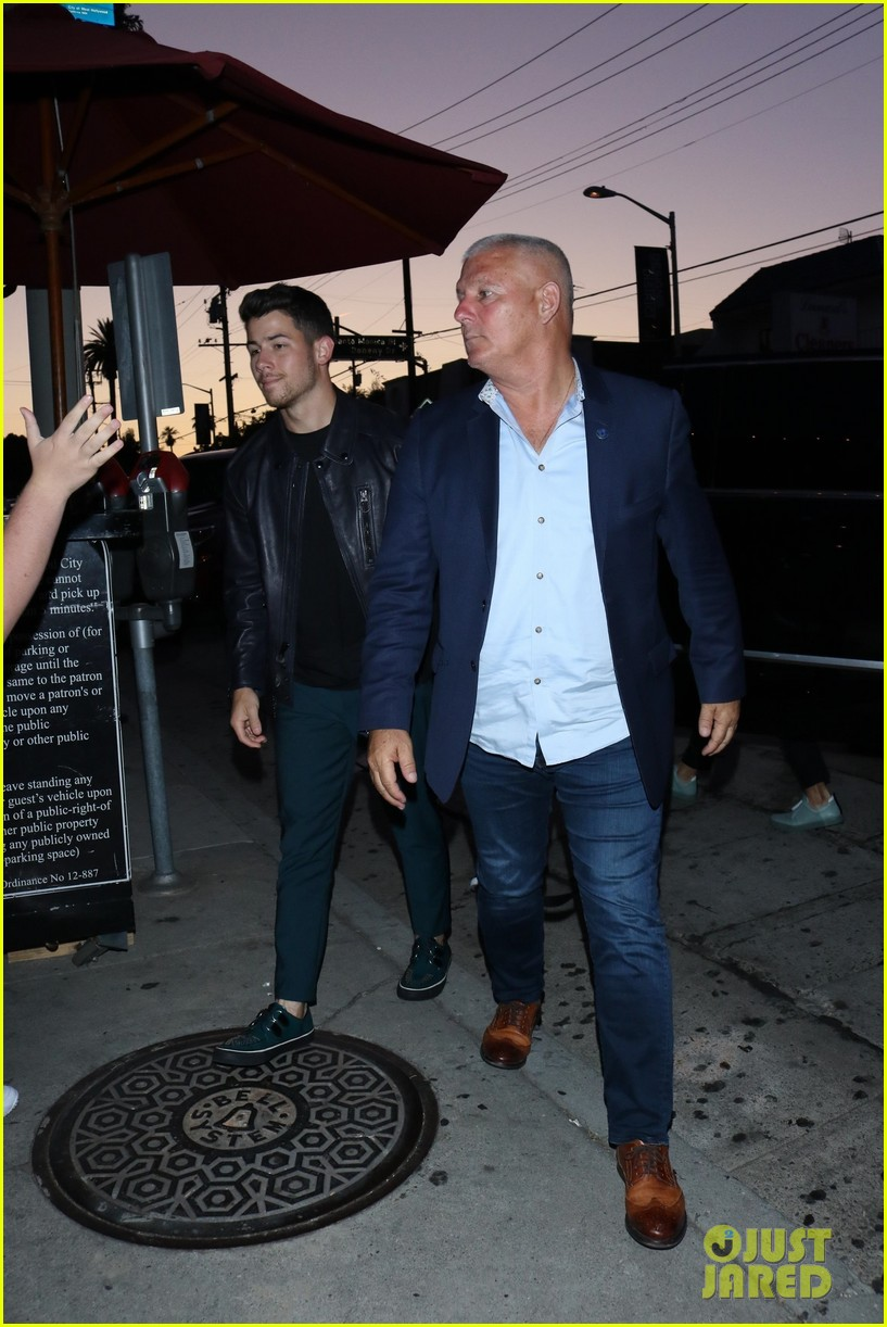 sophie turner joins the jonas brothers at craigs 22