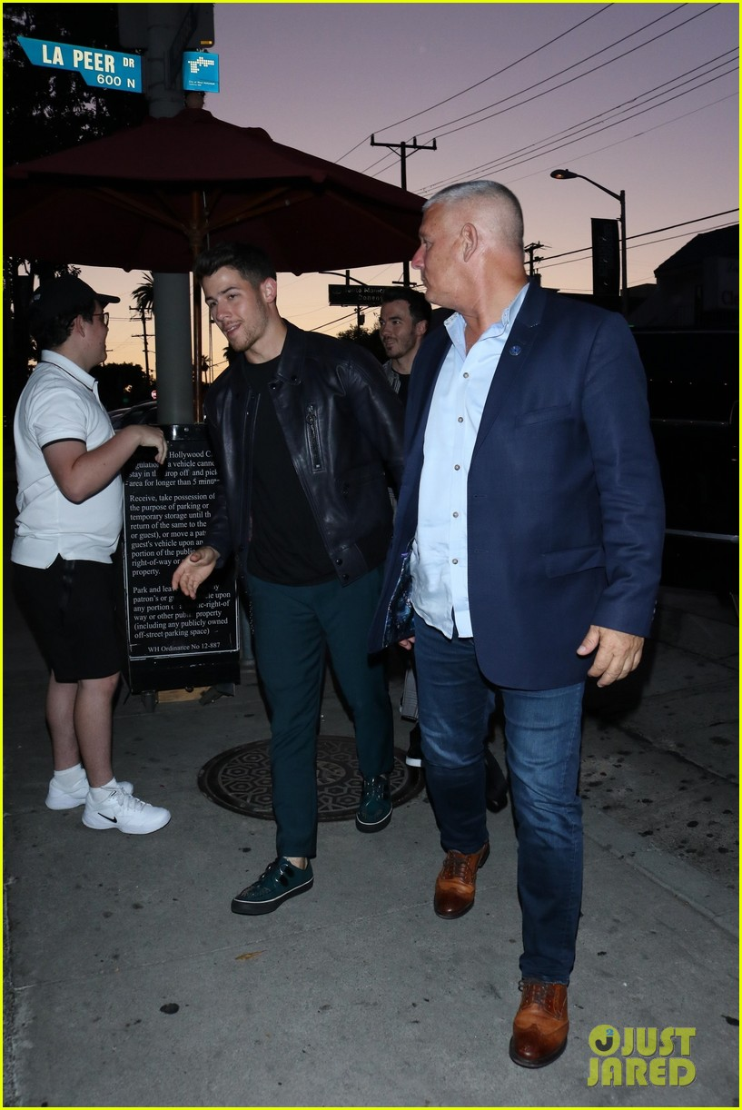 sophie turner joins the jonas brothers at craigs 24