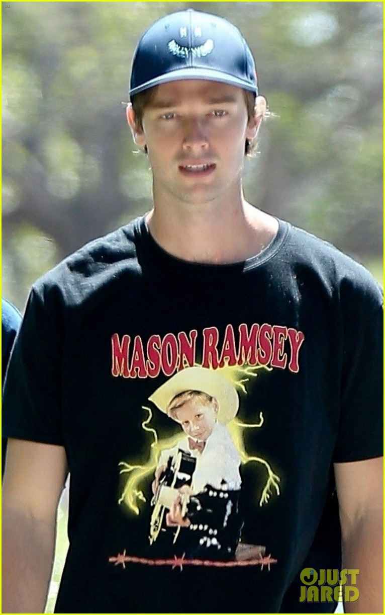 patrick schwarzenegger meets up with a friend in los angeles 04
