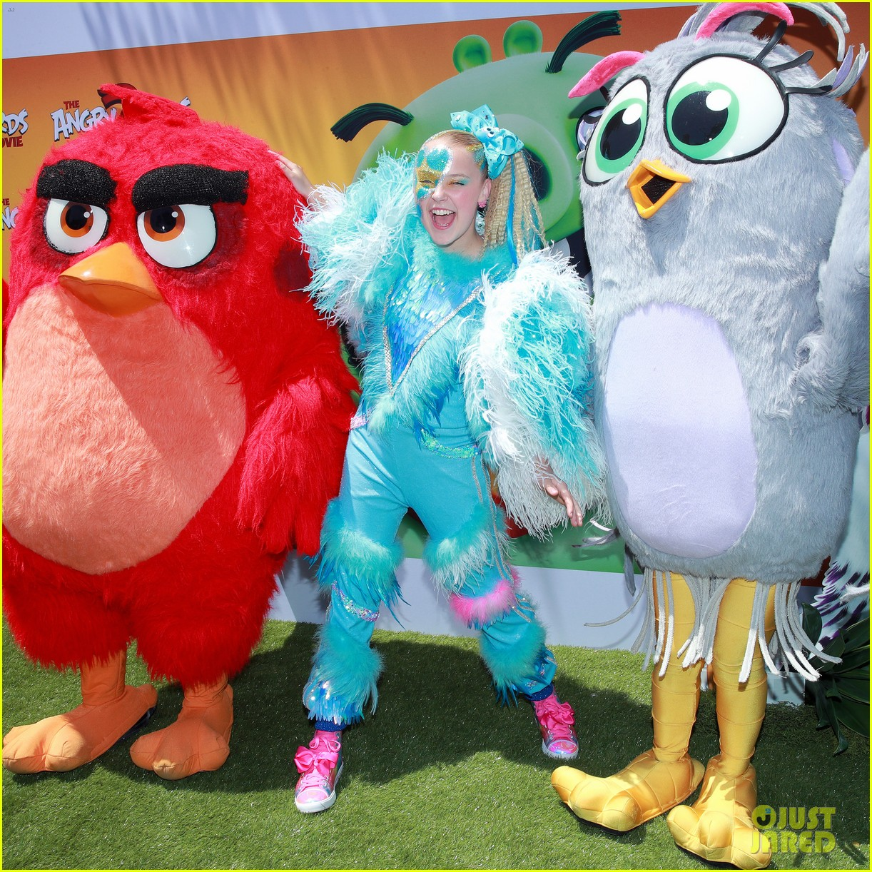 JoJo Siwa is Covered in Feathers at 'Angry Birds Movie 2