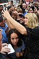 taylor swift celebrates lover release with fans at mural 04