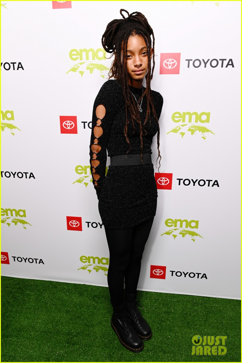 nina dobrev accepts ema futures award at environmental media association honors gala 03