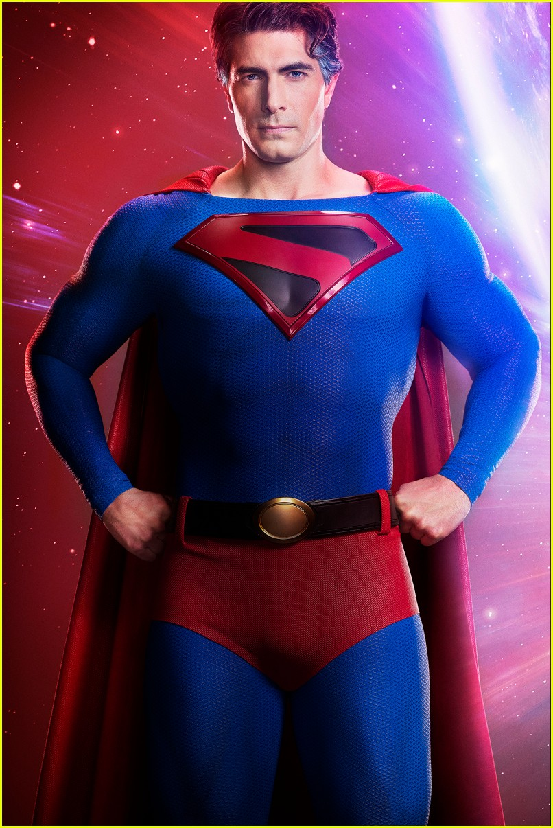 brandon routh suits up superman cw crossover first look 01