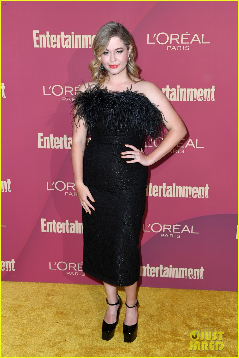 sarah hyland ariel winter glam it up at ews pre emmys party 07