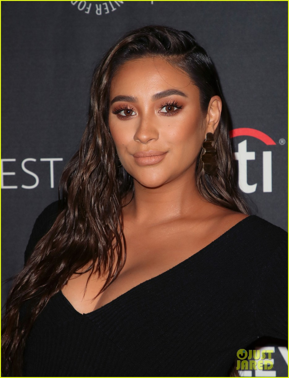 shay mitchell dollface cast at paley 11