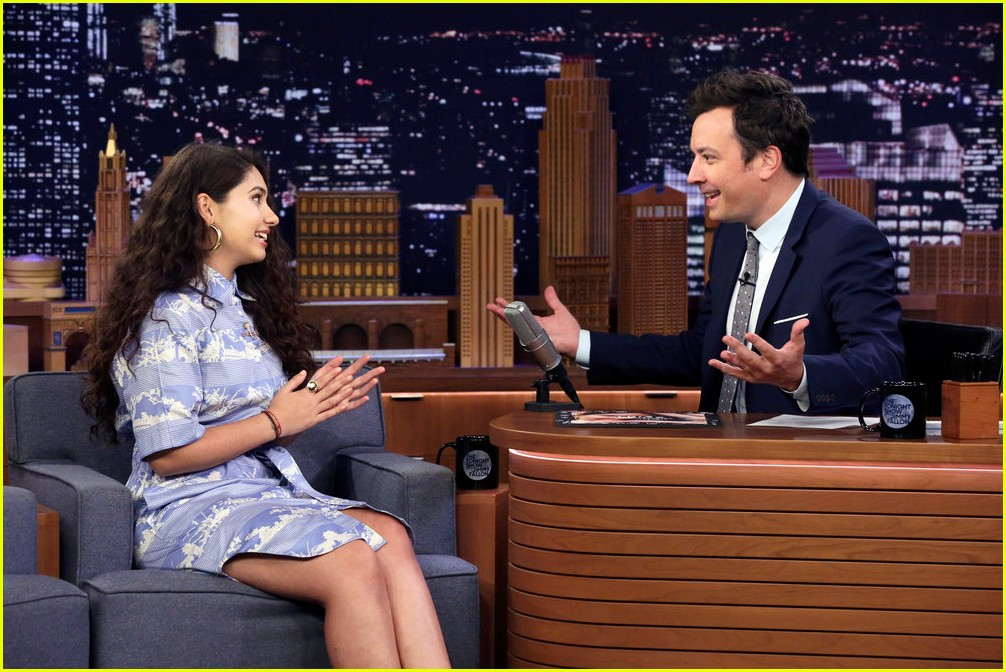 alessia cara on fallon 02