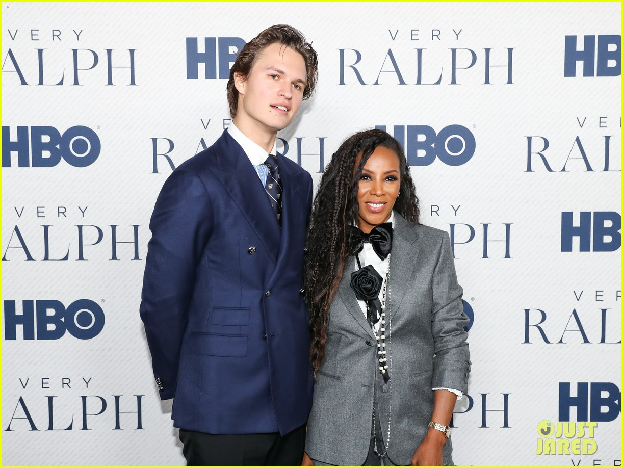 ansel elgort looks sharp at very ralph premiere 02