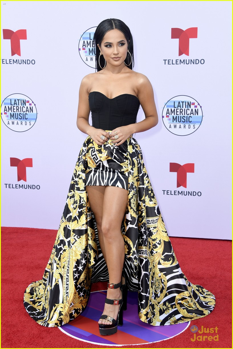 becky g amas carpet pics performance mala santa album 05