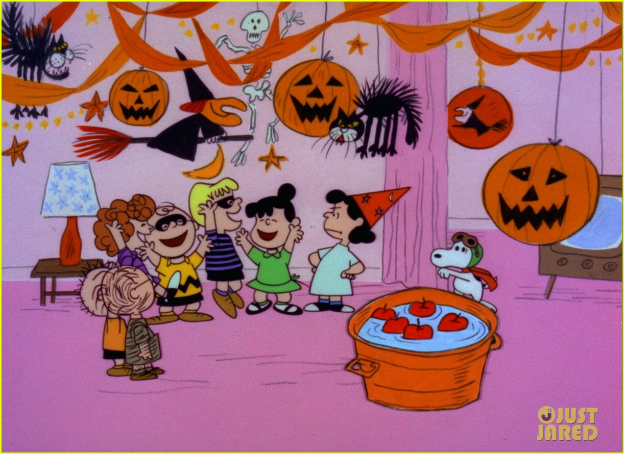 when does its the great pumpkin charlie brown air 03