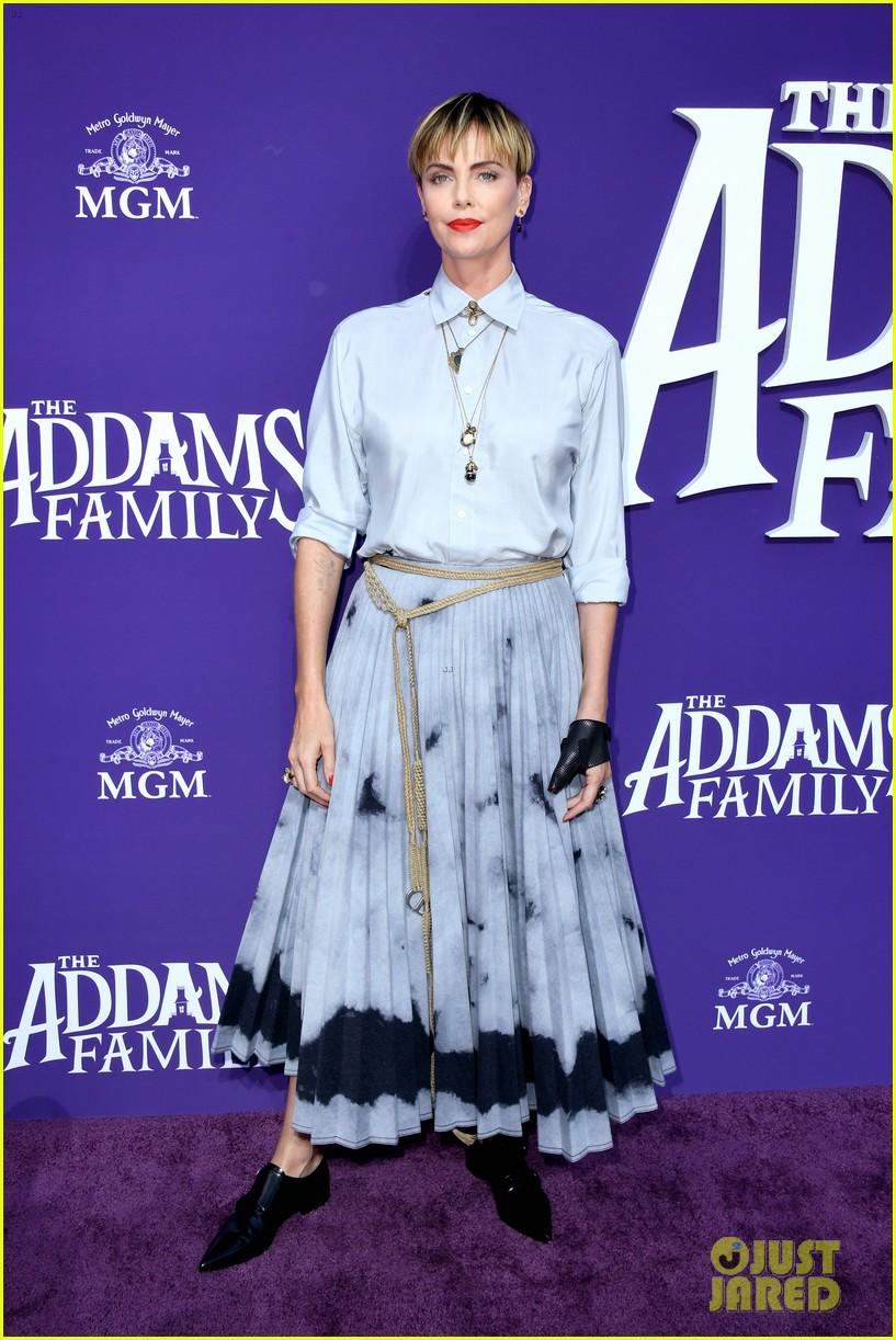 christina aguilera channels morticia addams at the addams family premiere 03