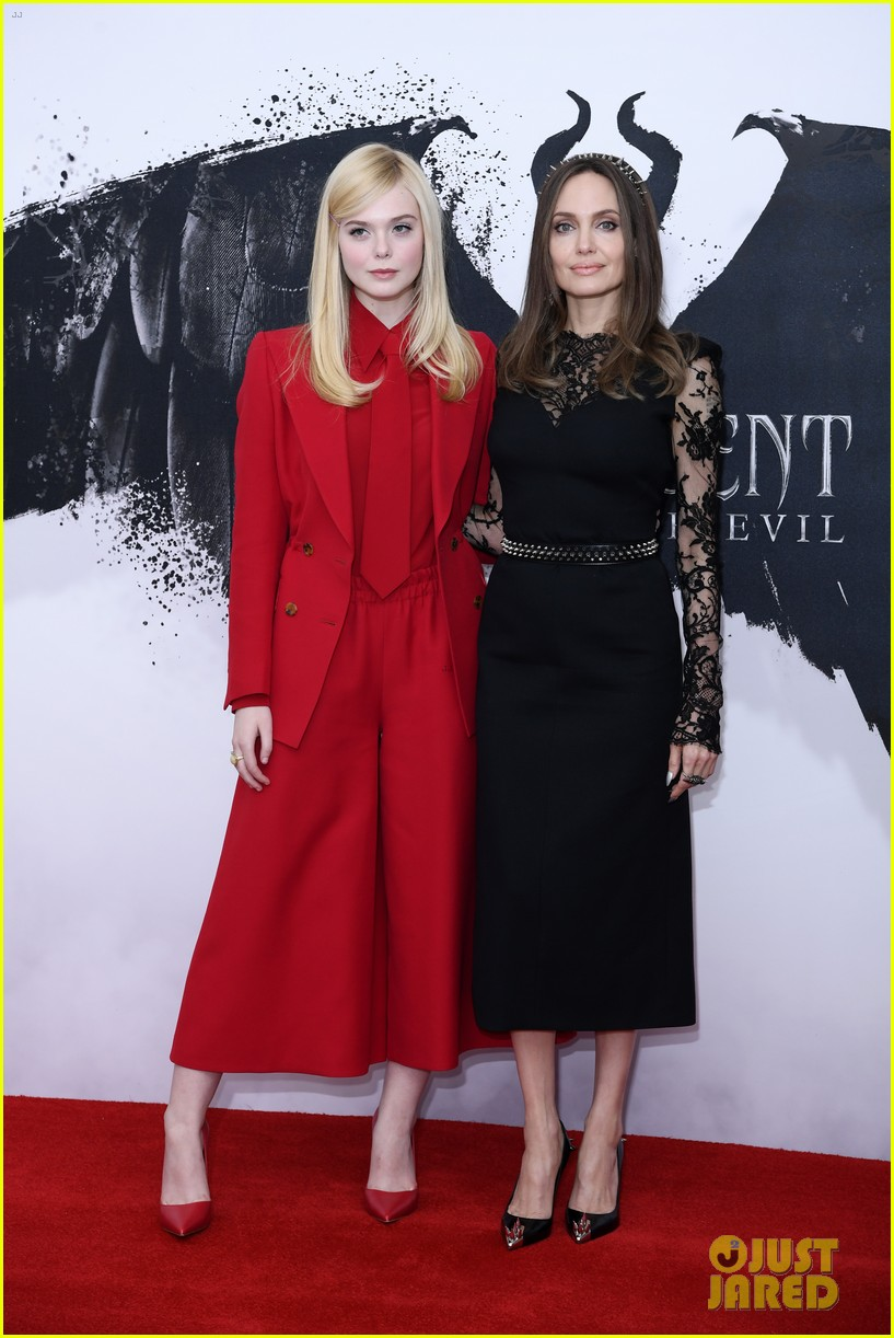elle fanning angelina jolie maleficent photocall london 01