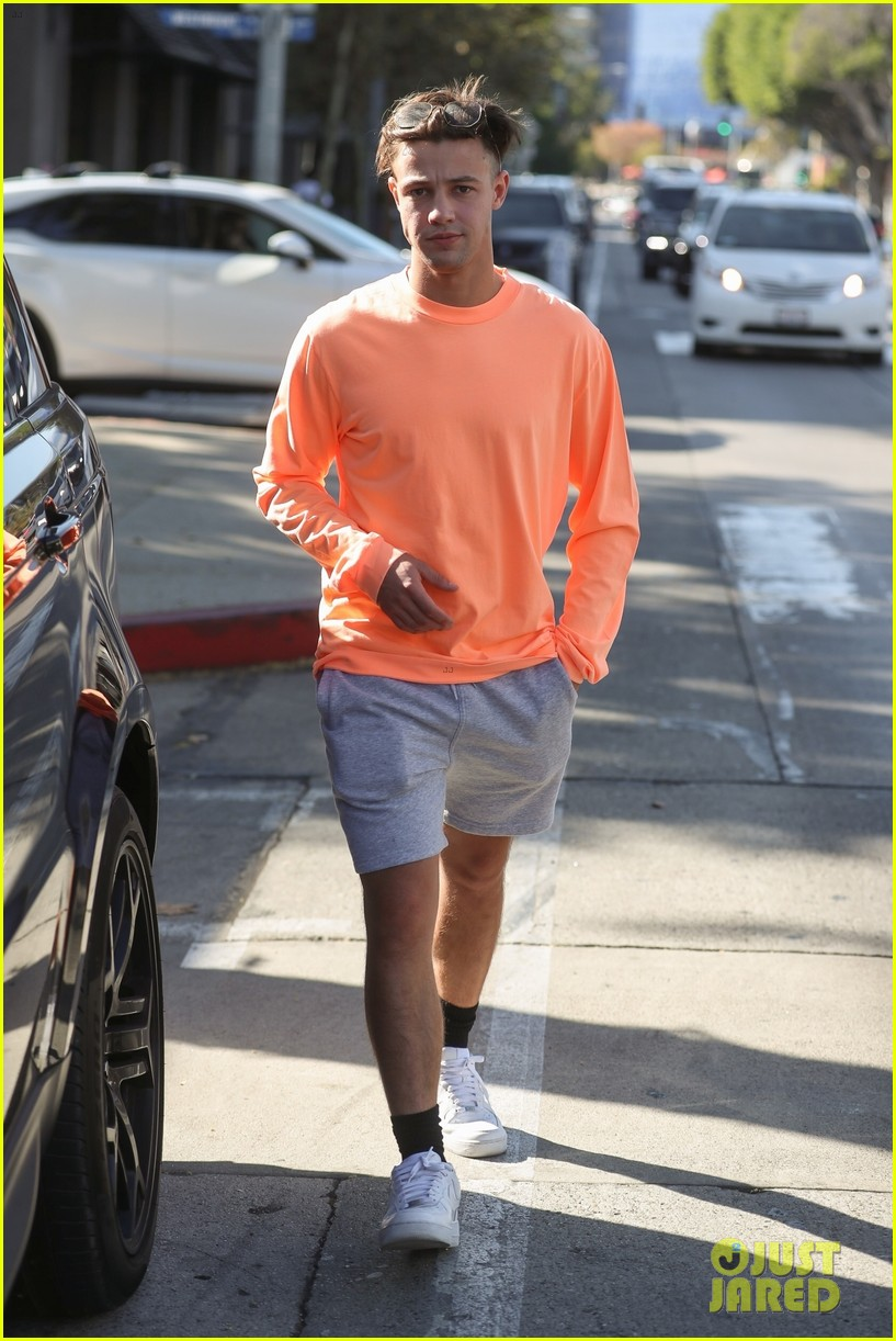 cameron dallas madisyn menchaca hold hands for lunch date 06
