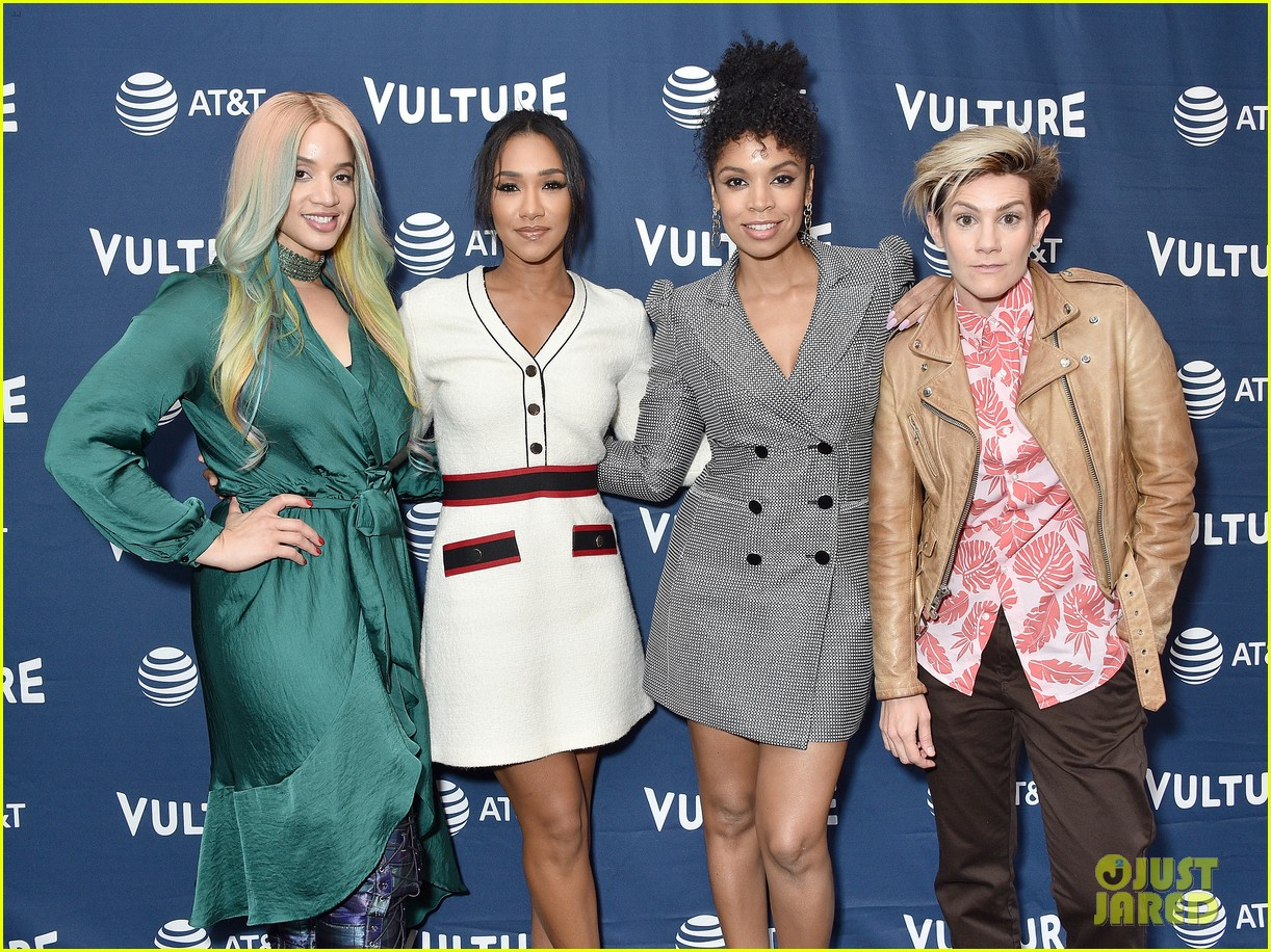 candice patton speaks at vulture festival 03
