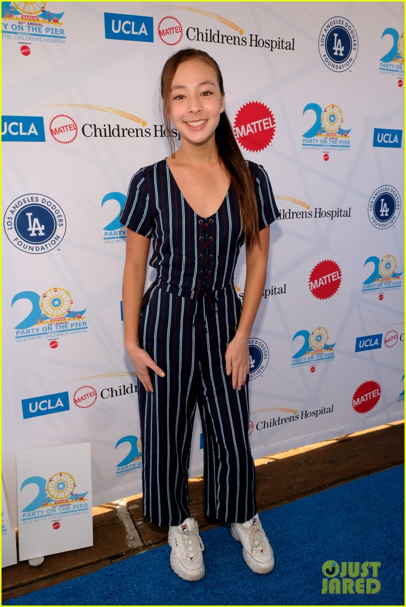isaak presley kenzie ziegler couple up at ucla party on the pier 19