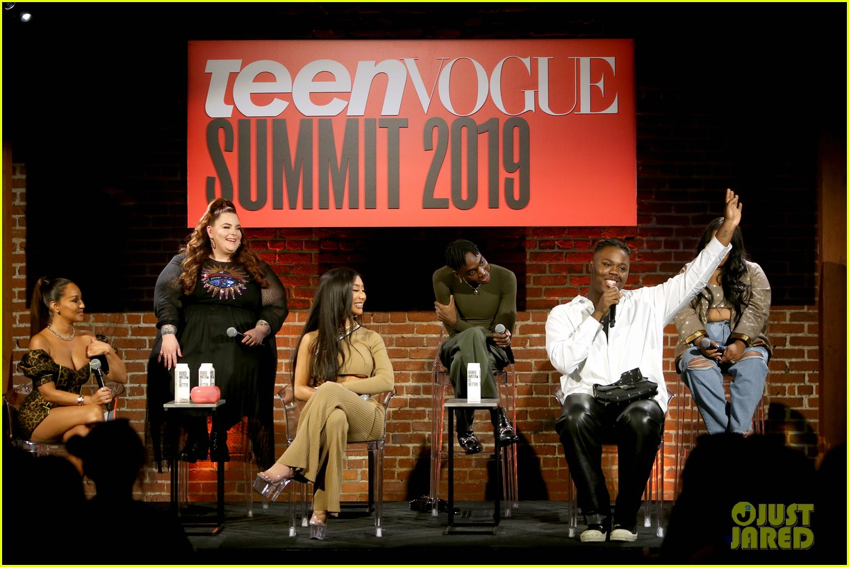 demi lovato shares inspiring advice at teen vogue summit 2019 29