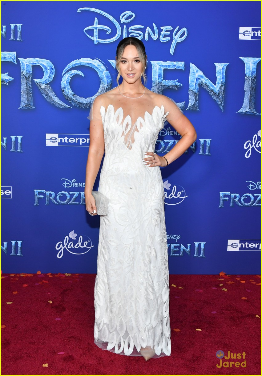 merrell twins influencers freeform stars more frozen premiere 01