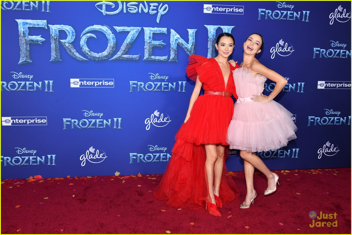 merrell twins influencers freeform stars more frozen premiere 03
