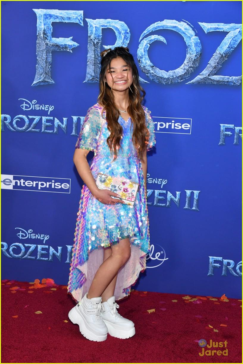 merrell twins influencers freeform stars more frozen premiere 41