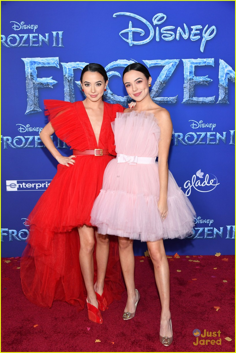 merrell twins influencers freeform stars more frozen premiere 54