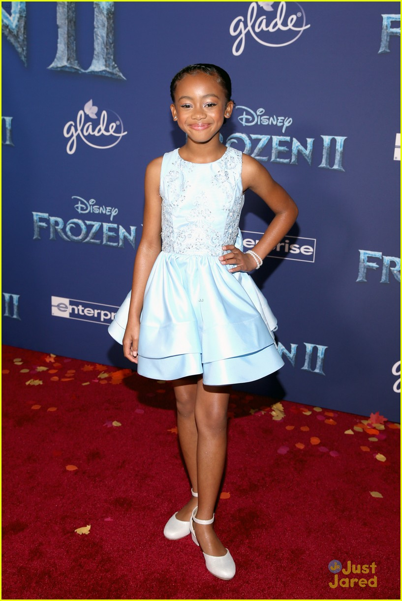 merrell twins influencers freeform stars more frozen premiere 57