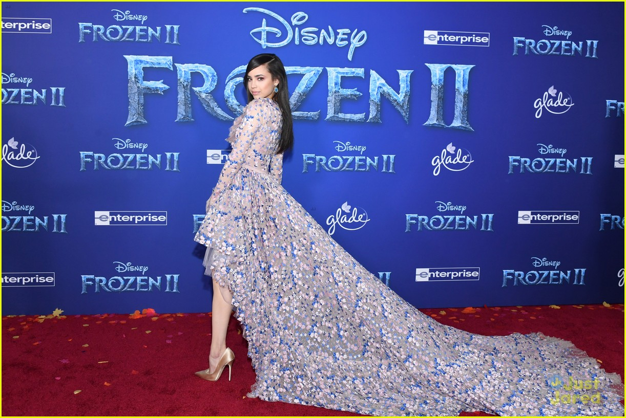 sofia carson bombshell dress frozen premiere new song 01