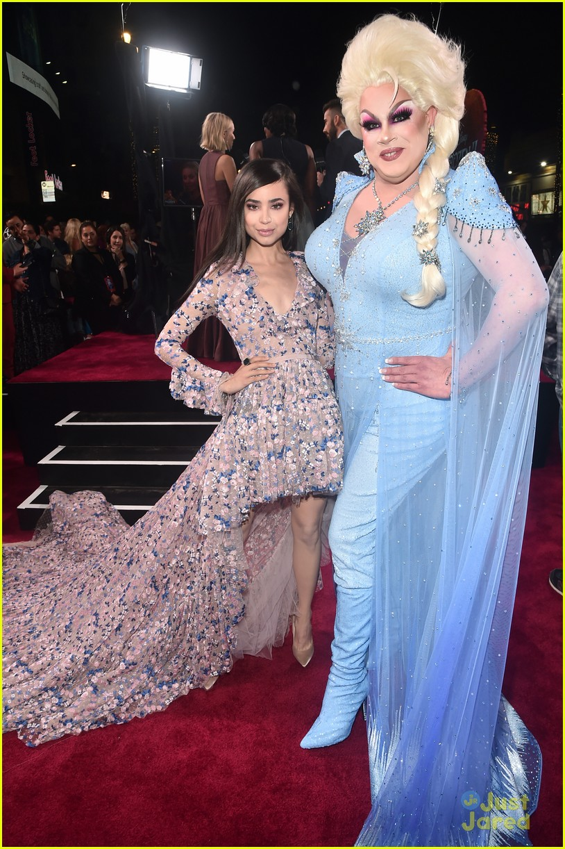 sofia carson bombshell dress frozen premiere new song 03
