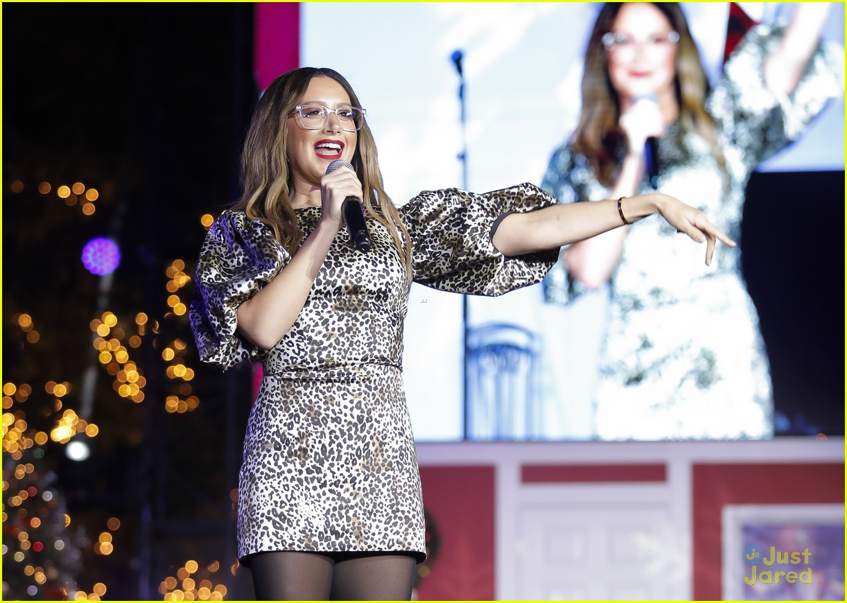 ashley tisdale tori kelly christmas grove celebration 10