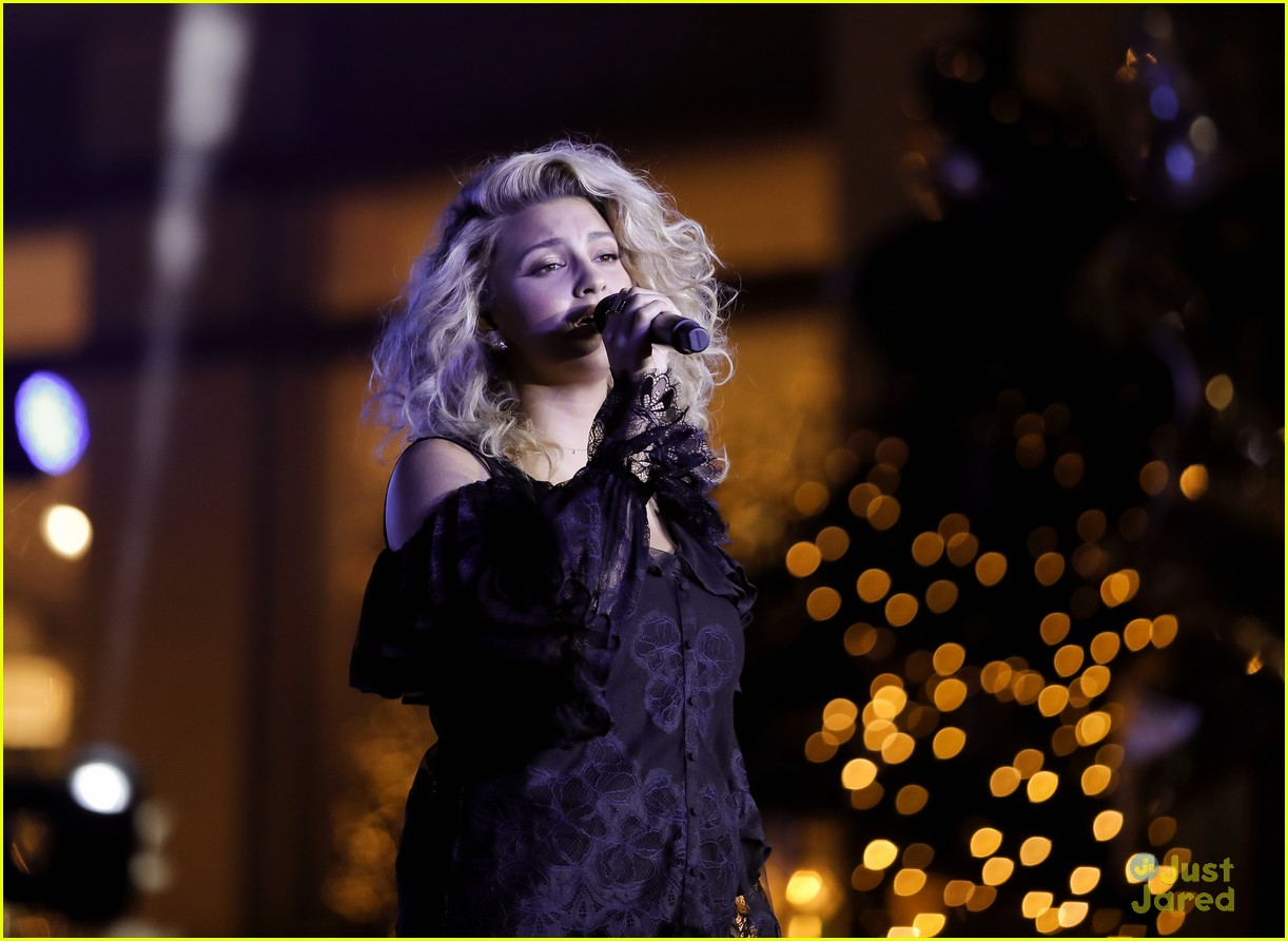 ashley tisdale tori kelly christmas grove celebration 20