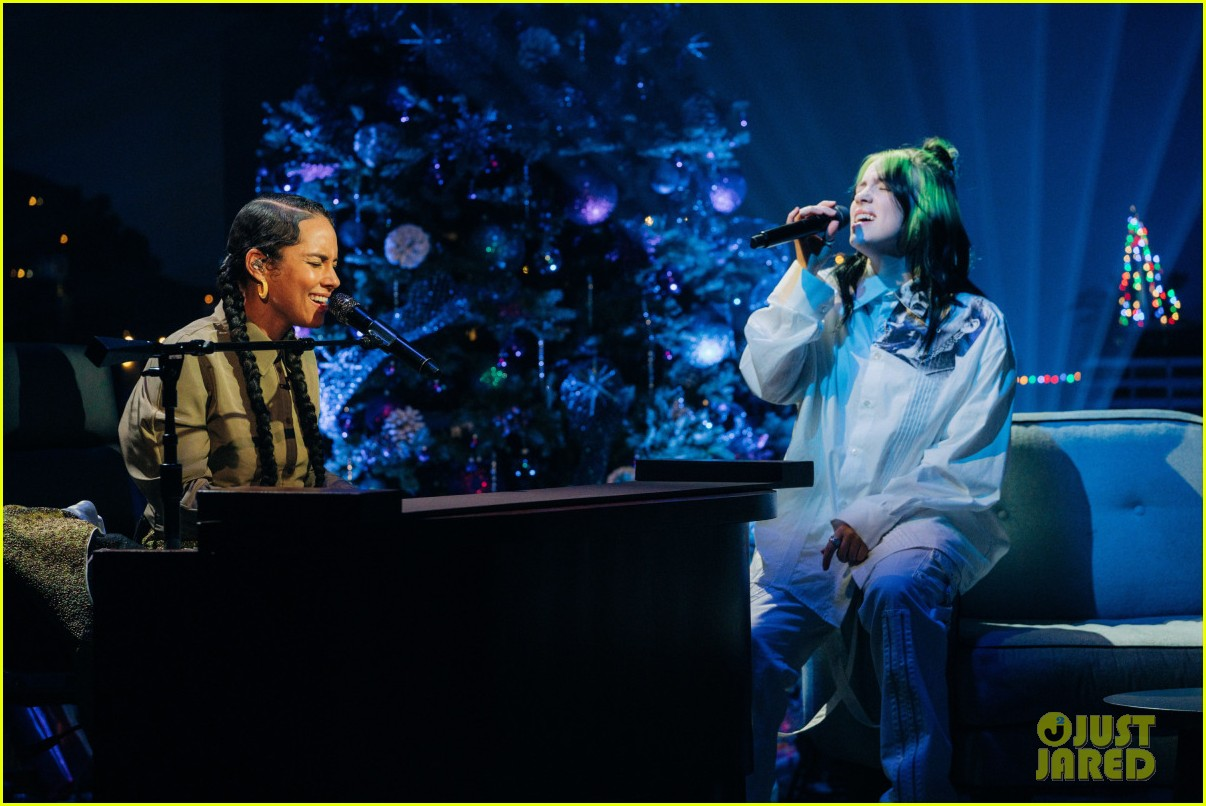 billie eilish alicia keys covers duet corden show 04
