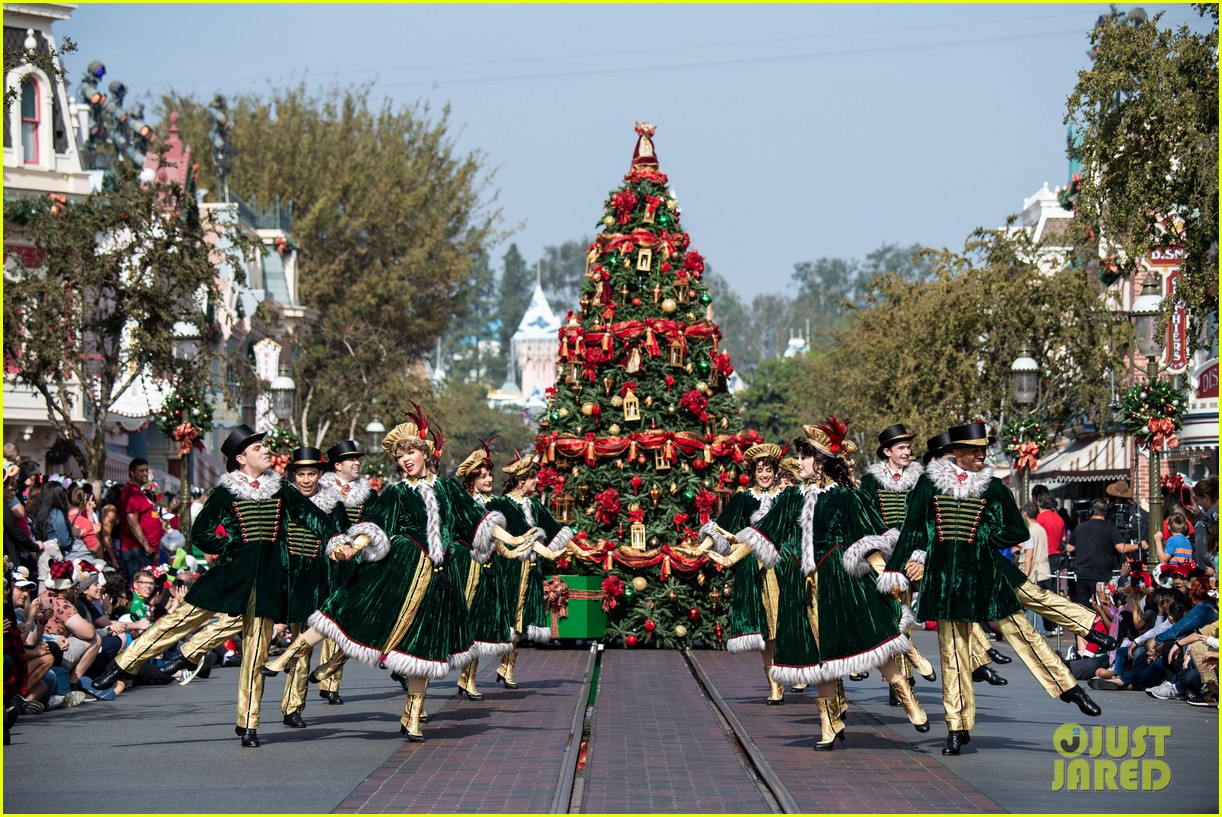 disney parks magical christmas day parade 2019 performers guests 25
