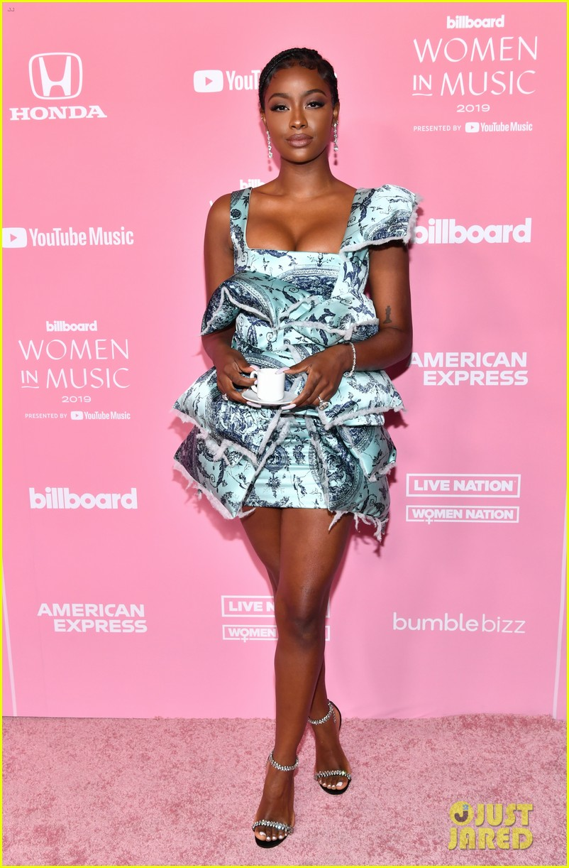 hayley kiyoko normani go green at billboard women in music 01