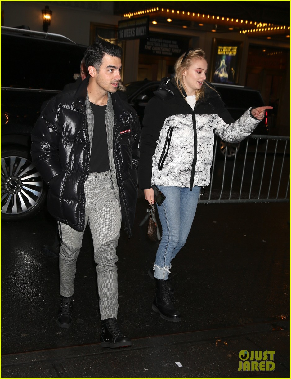 joe jonas sophie turner check out hadestown on broadway 05