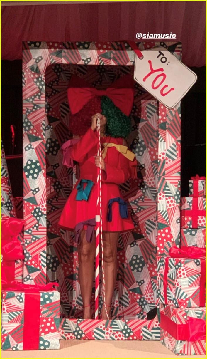 kardashian jenner west christmas eve party 05