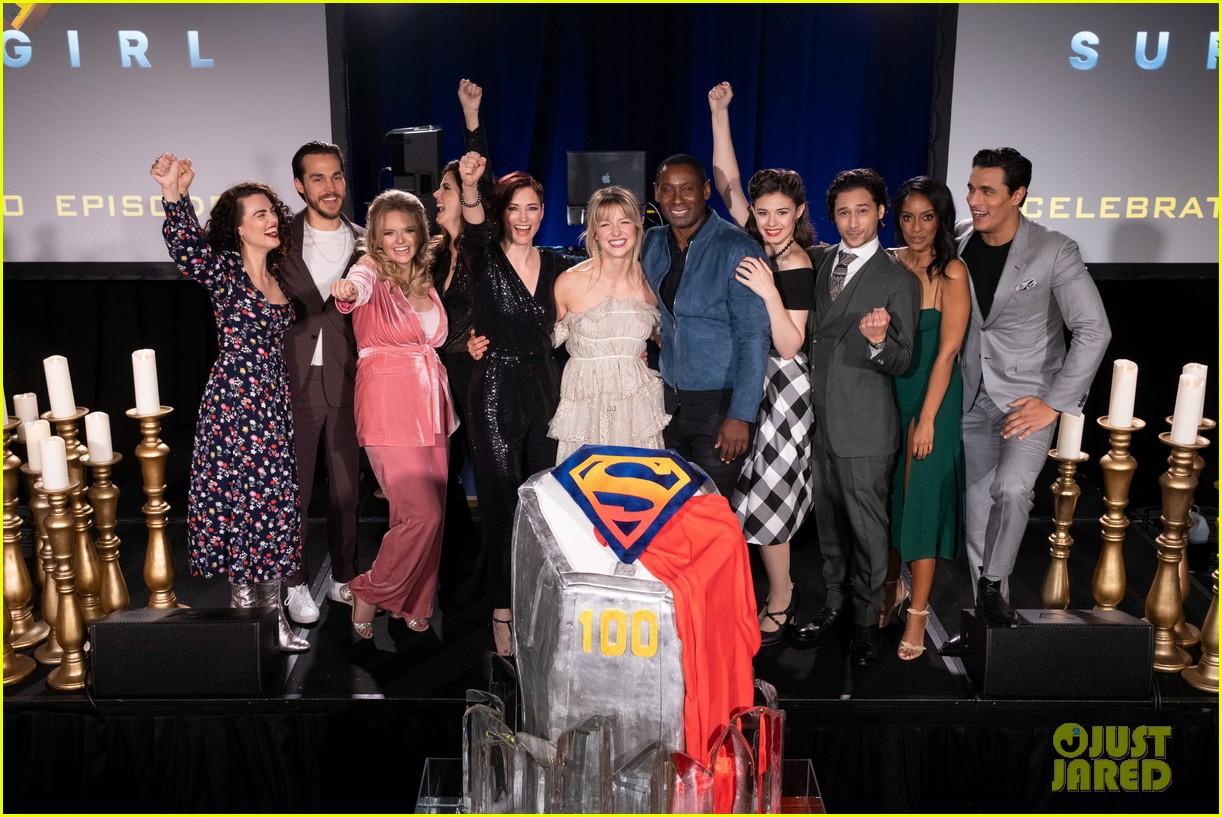 melissa benoist chris wood celebrate 100 episodes of supergirl 04