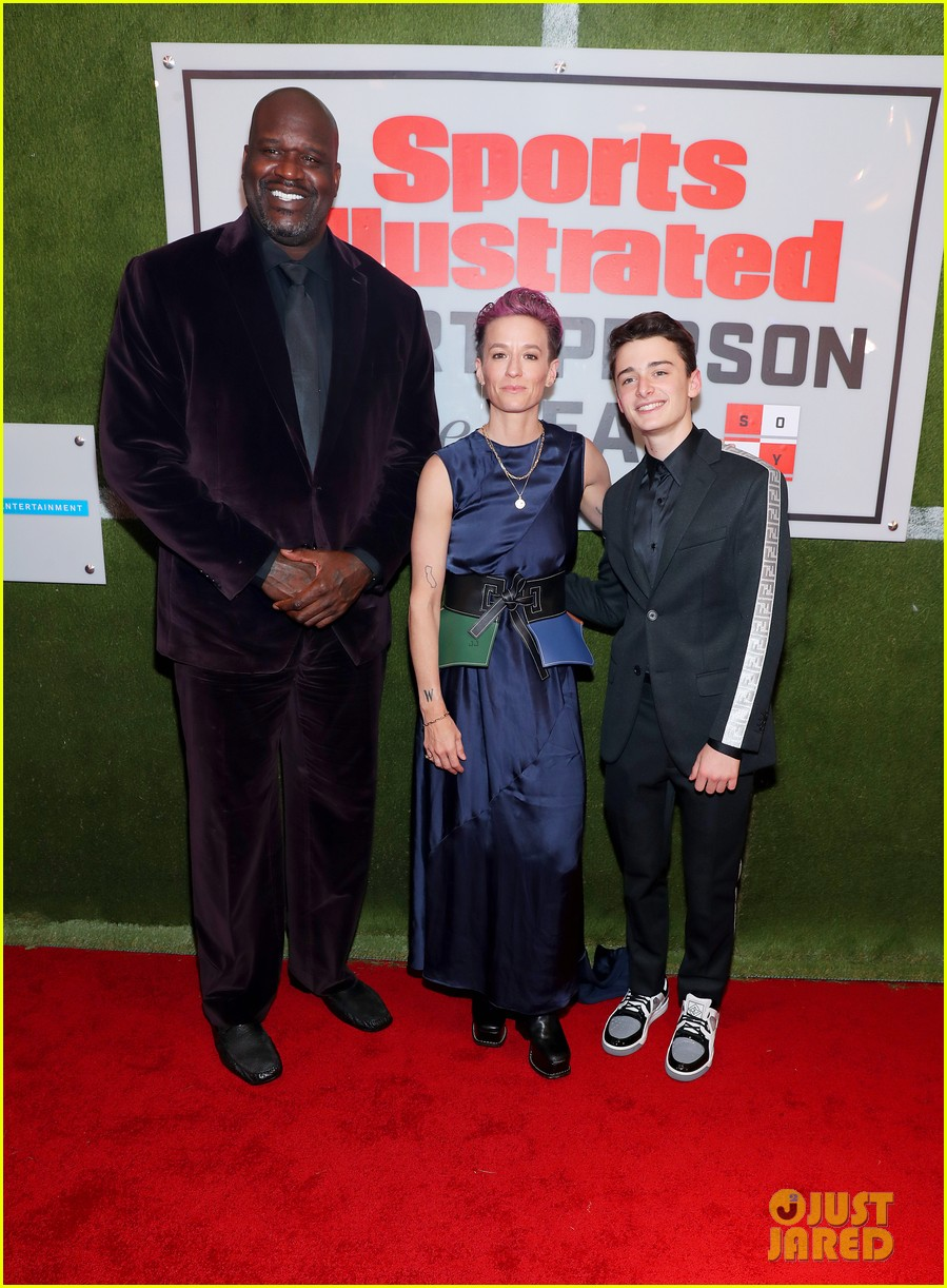 noah schnapp meets shaquille o neal at sportperson of the year 05