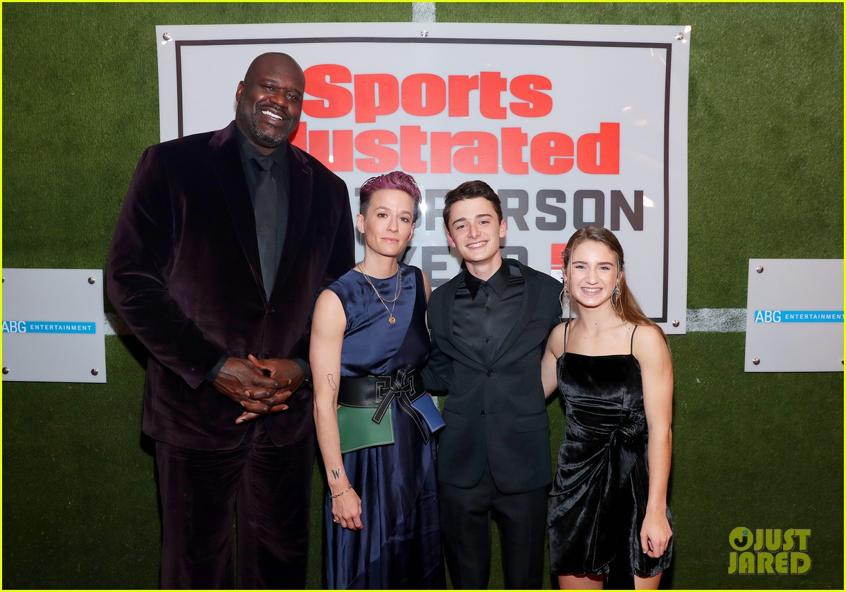 noah schnapp meets shaquille o neal at sportperson of the year 07