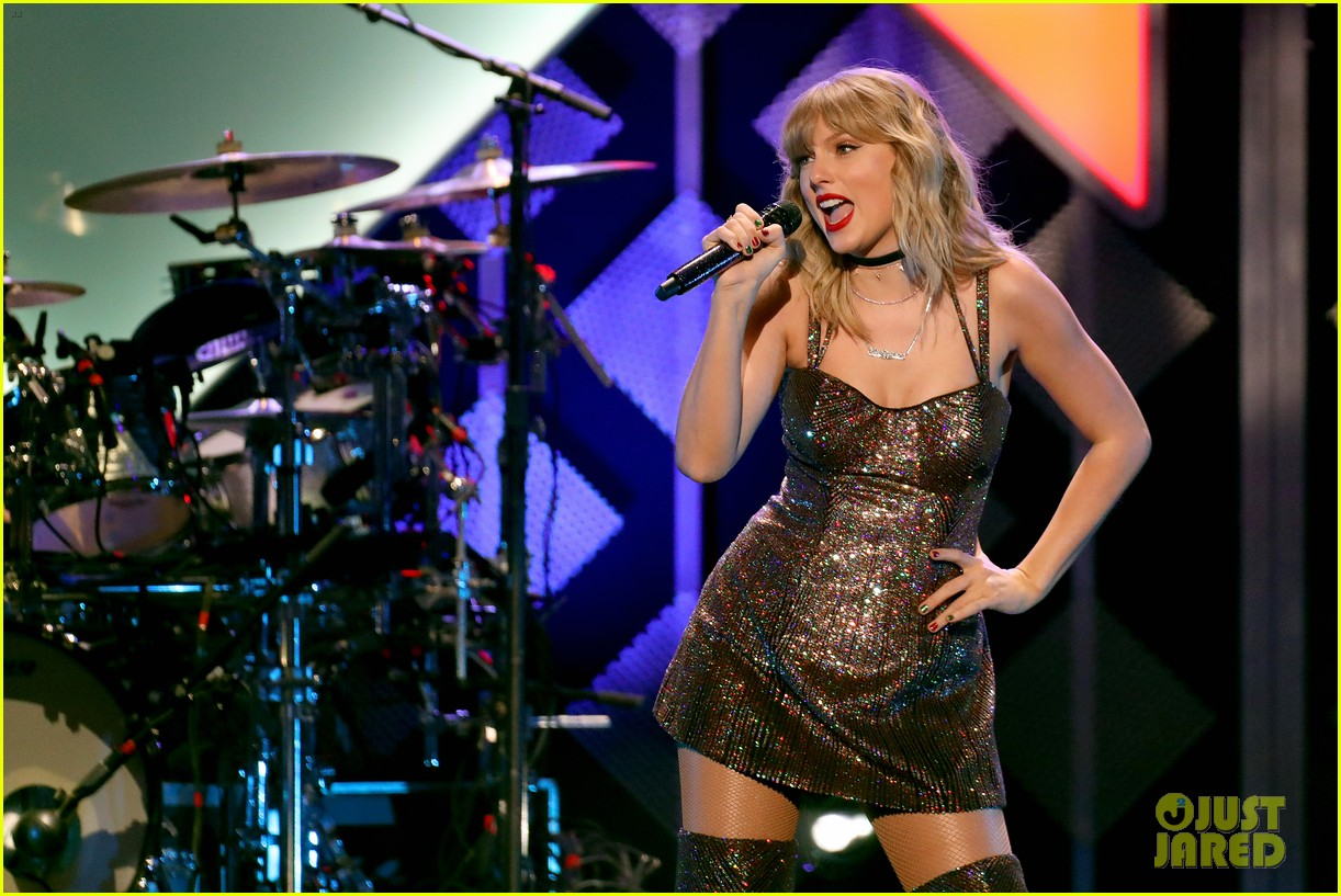 taylor swift z100 jingle ball cake 08