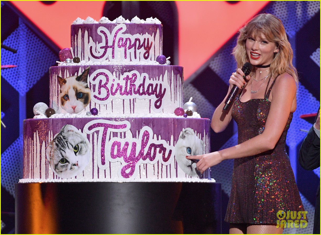 taylor swift z100 jingle ball cake 15
