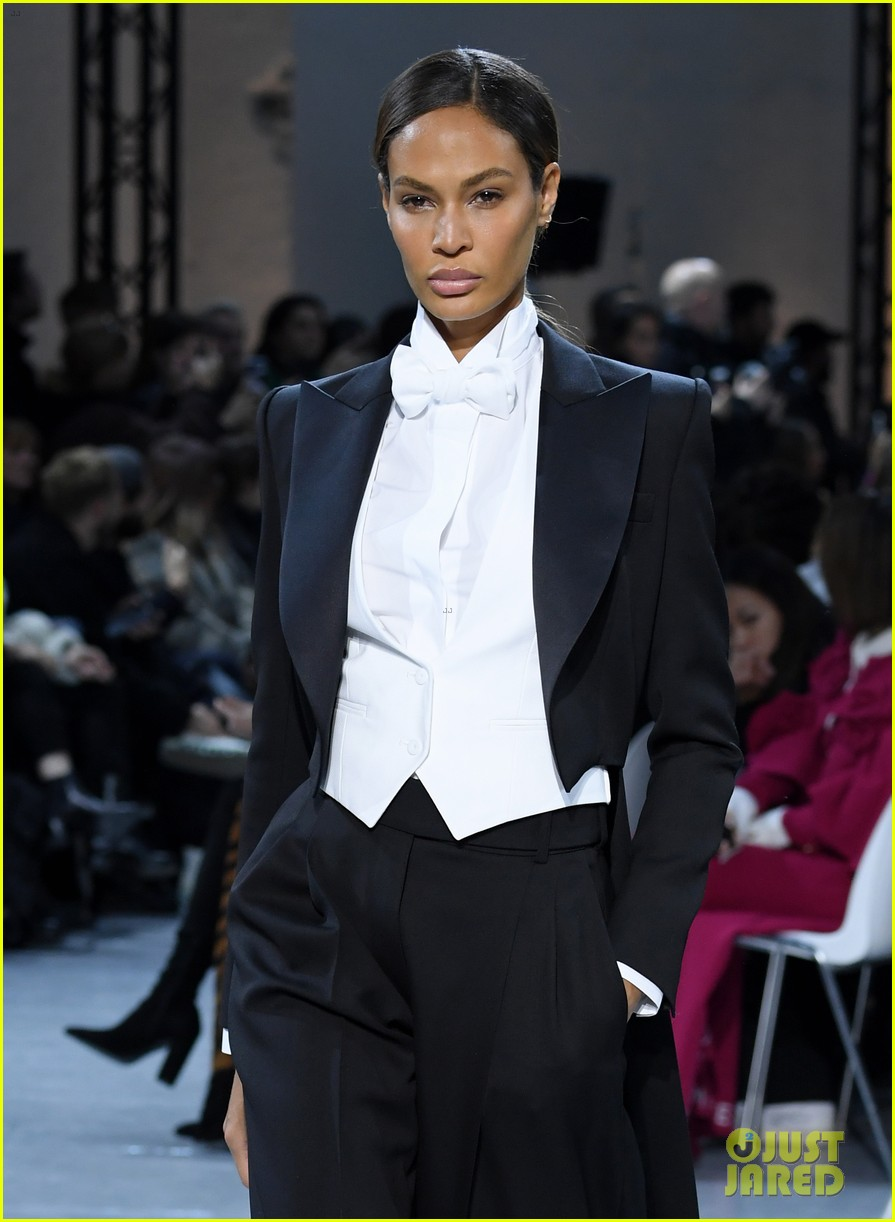 bella hadid green dress joan smalls tux pfw vauthier 01