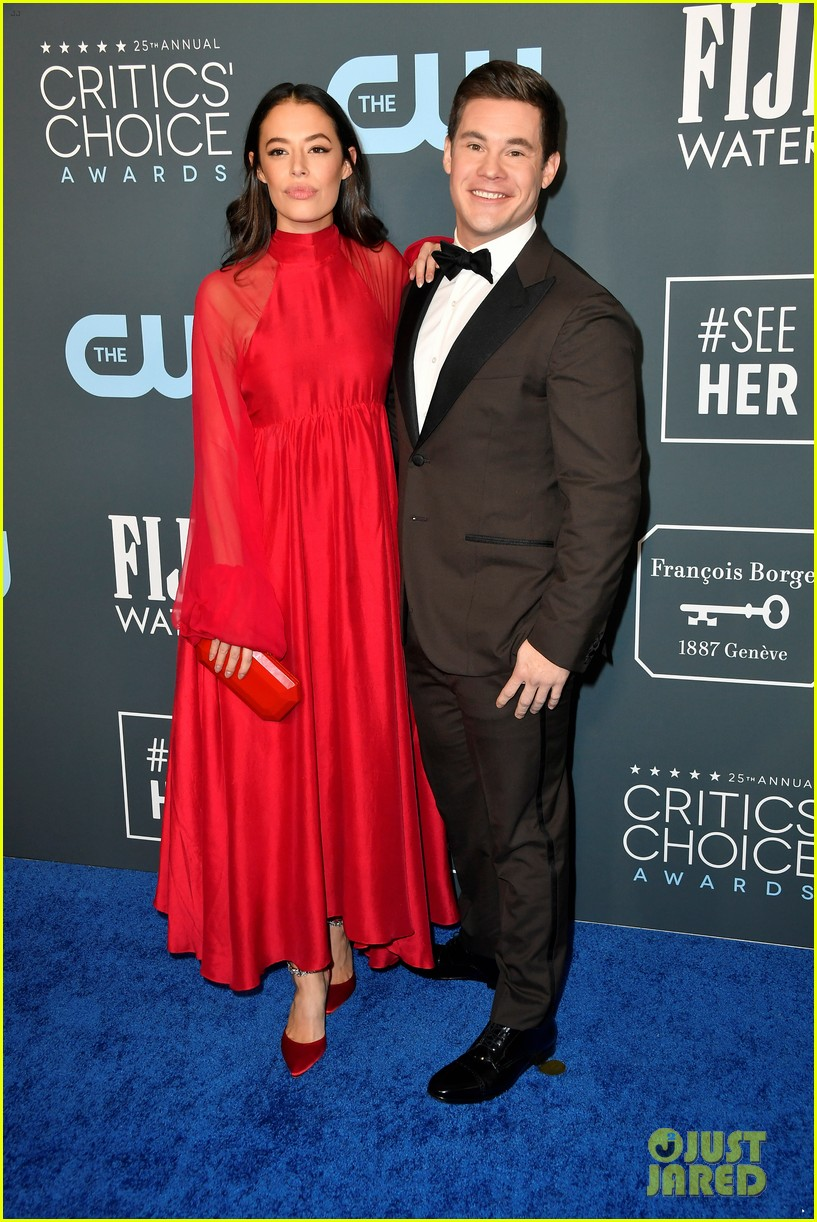 adam devine chloe bridges critics choice awards 01