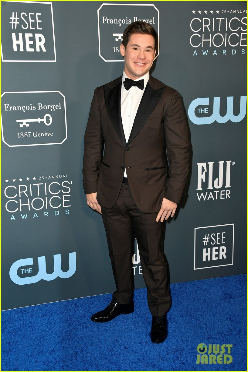 adam devine chloe bridges critics choice awards 07