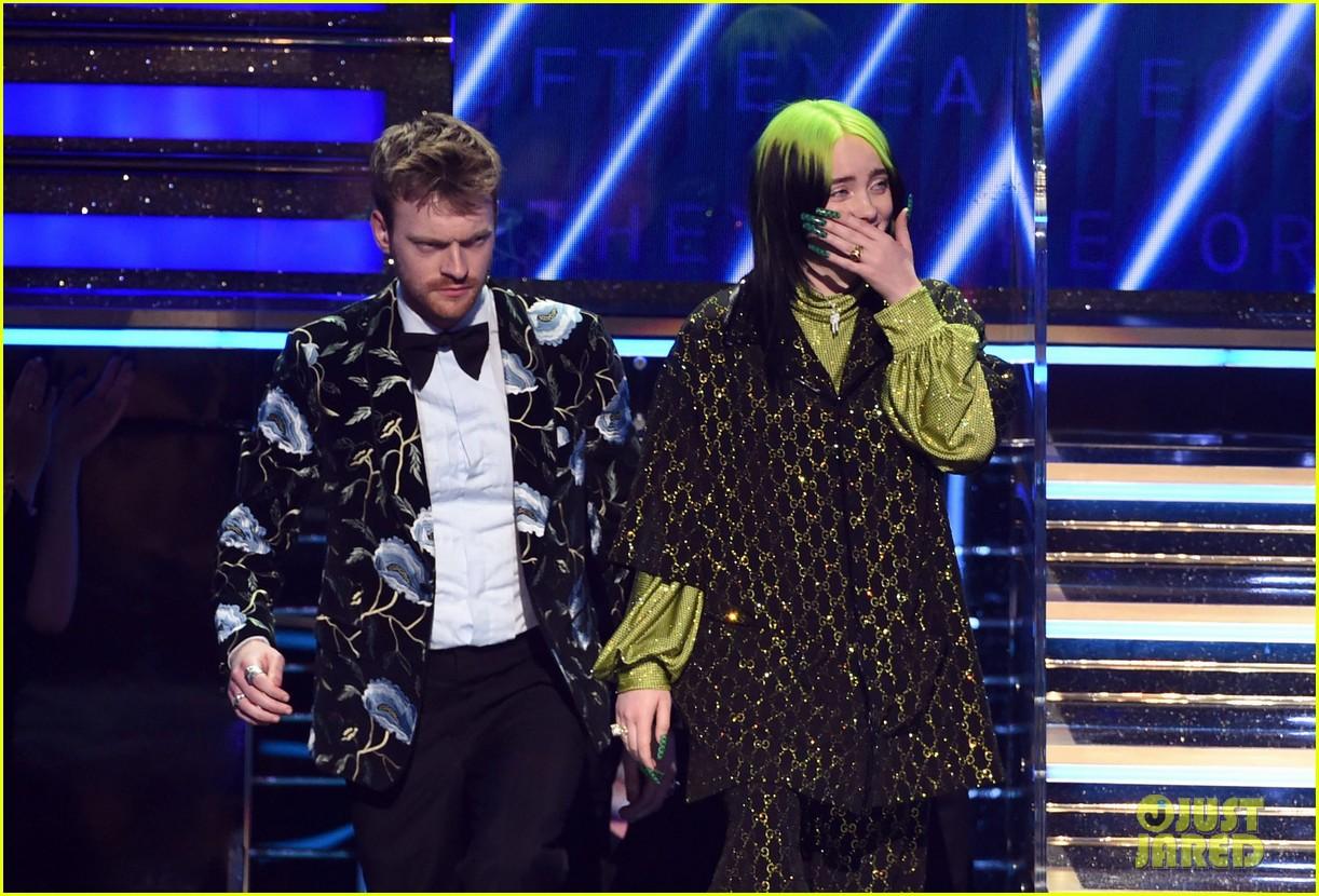 billie eilish album of the year says ariana grande deserves it 03