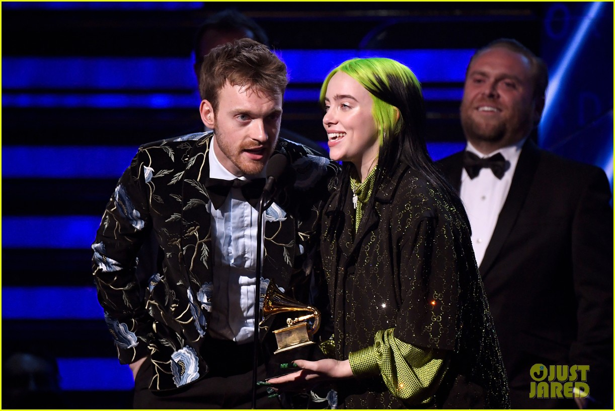 billie eilish album of the year says ariana grande deserves it 05