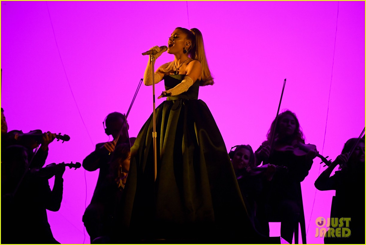 ariana grande goes sultry lingerie medley of her hits grammys 02