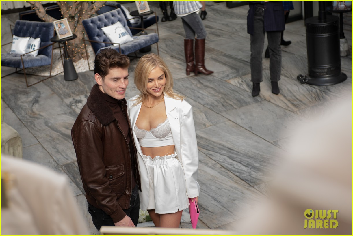 gregg sulkin michelle randolph fashion event cassie randolph colton underwood 04