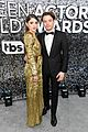 natalia dyer charlie heaton couple up sag awards 03