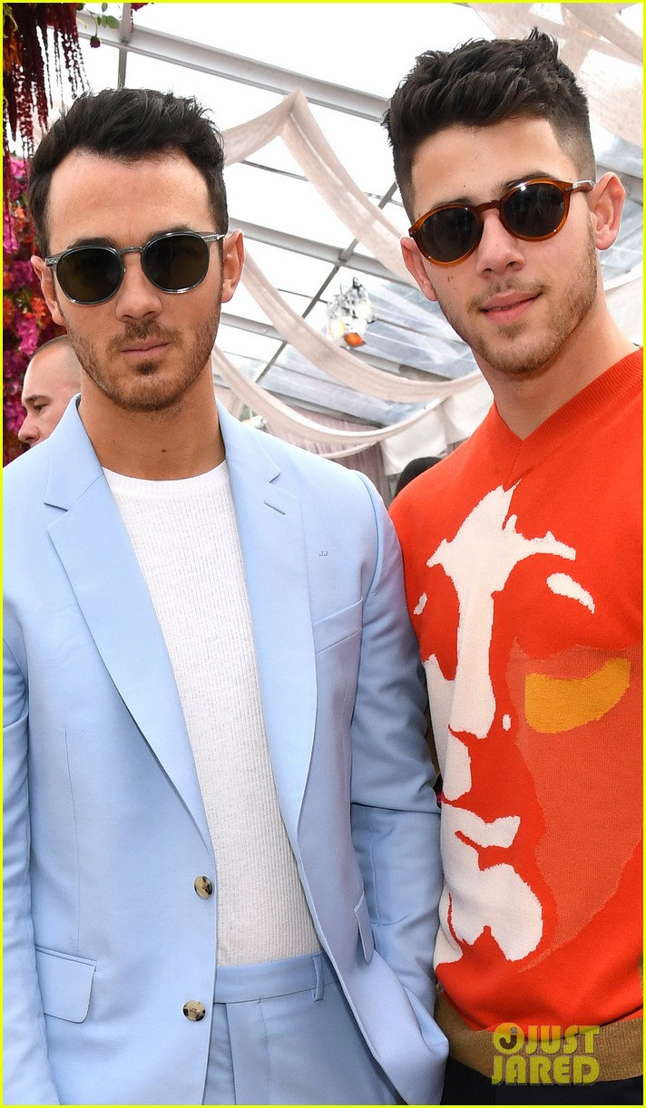 jonas brothers arrive in style roc nation grammys brunch 02